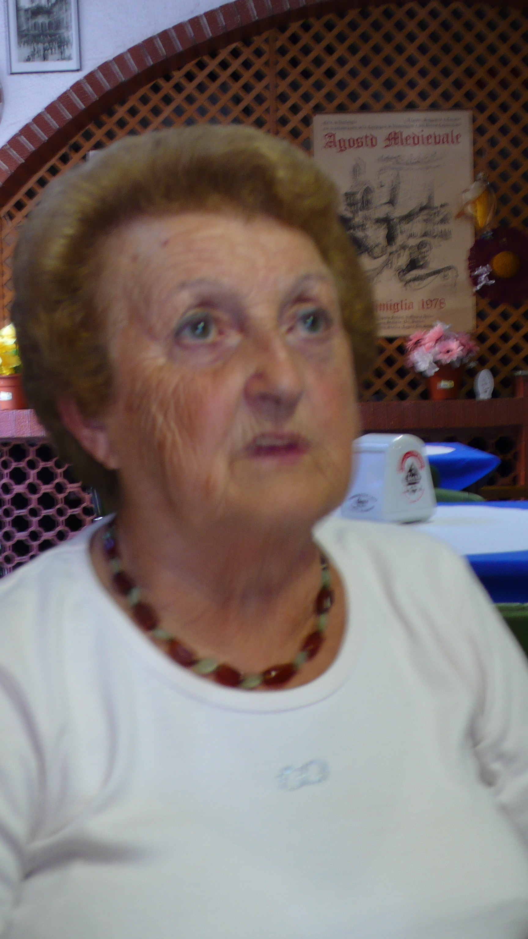Maria Rosa Lorenzi si è cimentata dietro ai noti fornelli di Rai 1 nel famoso programma di Antonella Clerici sbaragliando la sua concorrente.