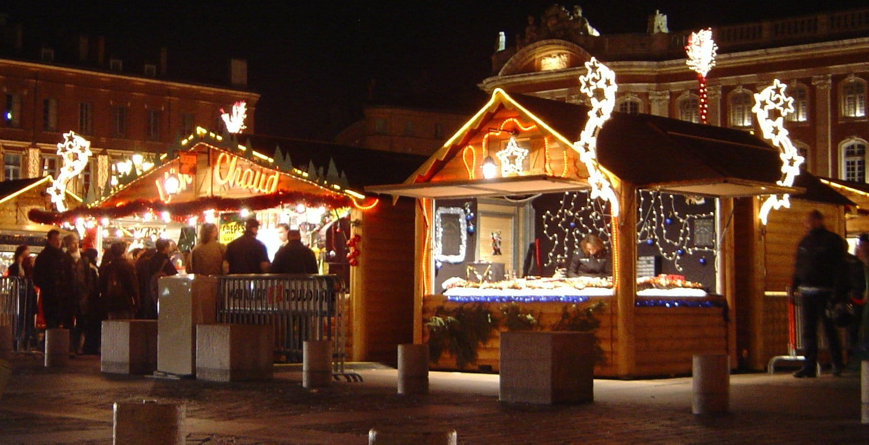 Nizza si accende delle luci e atmosfere natalizie con il tradizionale appuntamento dedicato al Villaggio di Natale nel cuore della città. Dal 3 dicembre 2016 al 1 gennaio 2017 la…