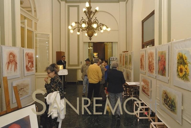 Sanremo, l'artista ventimigliese Romano Pini espone al Casinò