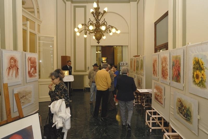 Romano Pini, apprezzato artista ventimigliese, espone nella sala hall del Casinò sino al 2 giugno. Tutti i giorni dalle 15.00 – 23.00 si può ammirare la personale con una selezionata…