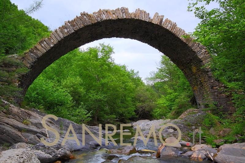 "Trekking: da San Romolo a Monte Bignone con ""Strade"""