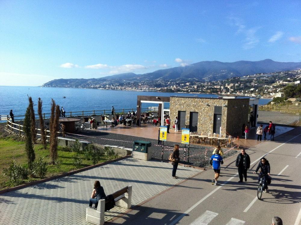 Con il 2013 è stato definitivamente aperto il nuovo punto ristoro lungo la pista ciclopedonale in zona La Vesca a Sanremo. Un nuovo tassello importante per l'offerta turistica e ricettiva…
