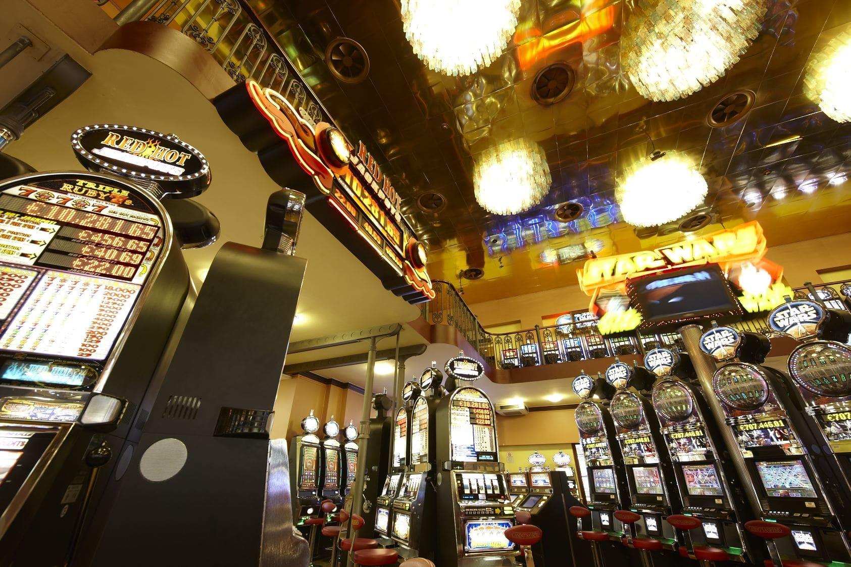 Non poteva essere più gratificante il fine settimana per i giocatori delle slot machines del Casinò. Le macchinette hanno distribuito premi per un montepremi del valore di82.000 € comprensivo del…