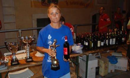 """Triathlon: la ponentina Celestina Malugani trionfa nel """"trittico"""" francese"""