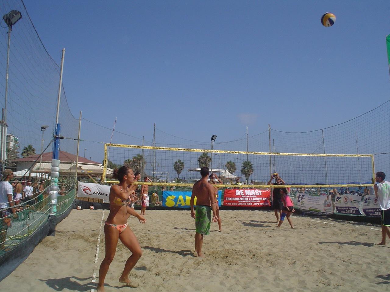 Una 24 ore di beach volley intensa, applaudita da un numeroso pubblico, due campi di gara...Insomma una quinta edizione che già fa pregustare una edizione 2013, se possibile, ancora più…