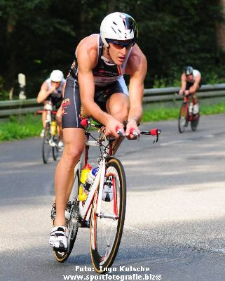 Ci sarà anche il ventimigliese, Oliviero Troia, 18 anni,nato e cresciutonella Ciclistica Bordighera ed ora tesserato per la Gallaratese Ciclismo, in gara questa mattina, dalle 8. nel Campionato Mondiale di…