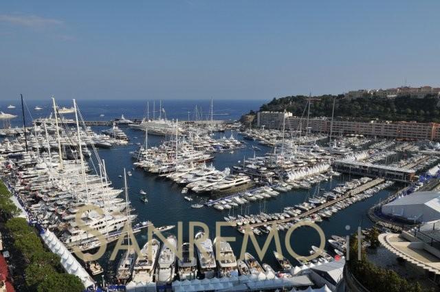 Dalle profondità del mare fino al cielo: ecco il Monaco Yacht Show