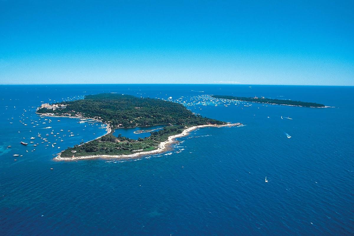 A pochi minuti di battello dalla costa di Cannes, le isole Lerins offrono un sito naturale eccezionale