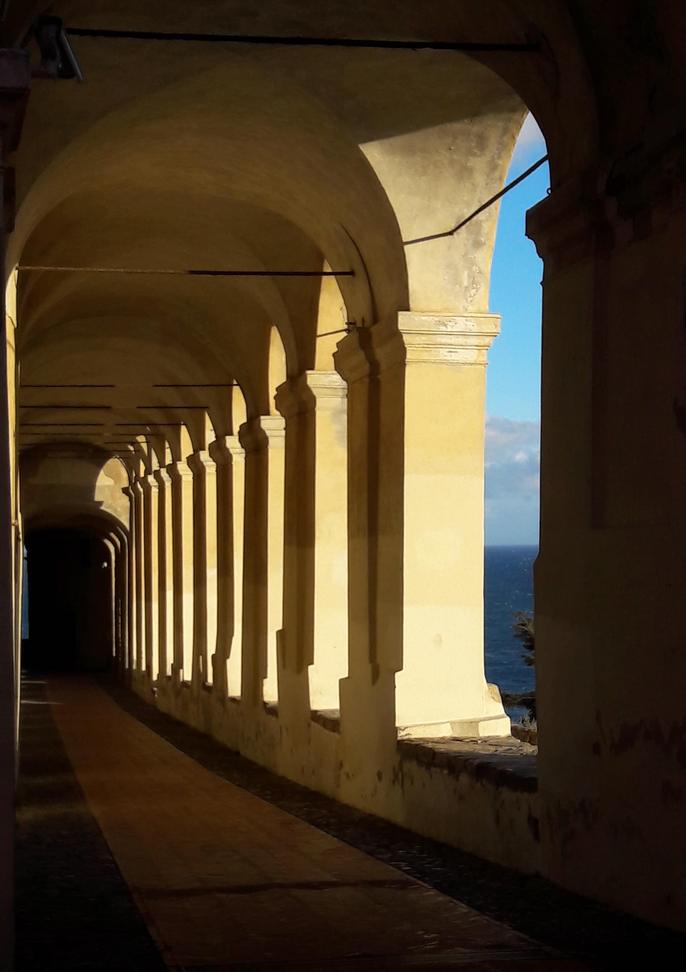 Un corso di scrittura insieme a Eleonora Sottili per scoprire il fascino di un luogo immerso nel tempo e nella bellezza