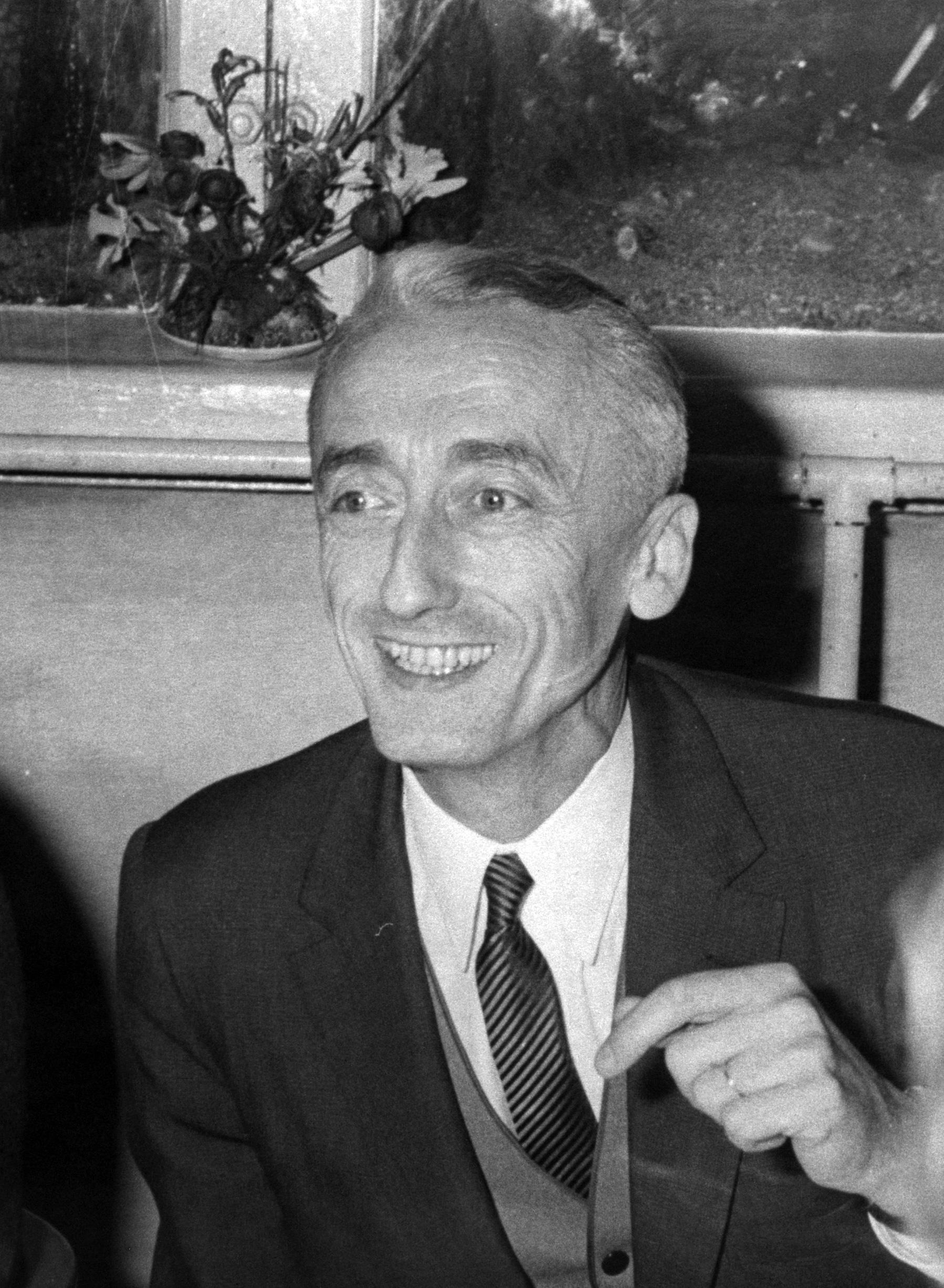Jacques Cousteau, dal mare alla Rocca di Monaco Una carriera completamente dedicata al mare, lo stesso che gli scorreva nelle vene fin dalle prime esperienze subacquee grazie alla carriera nella…