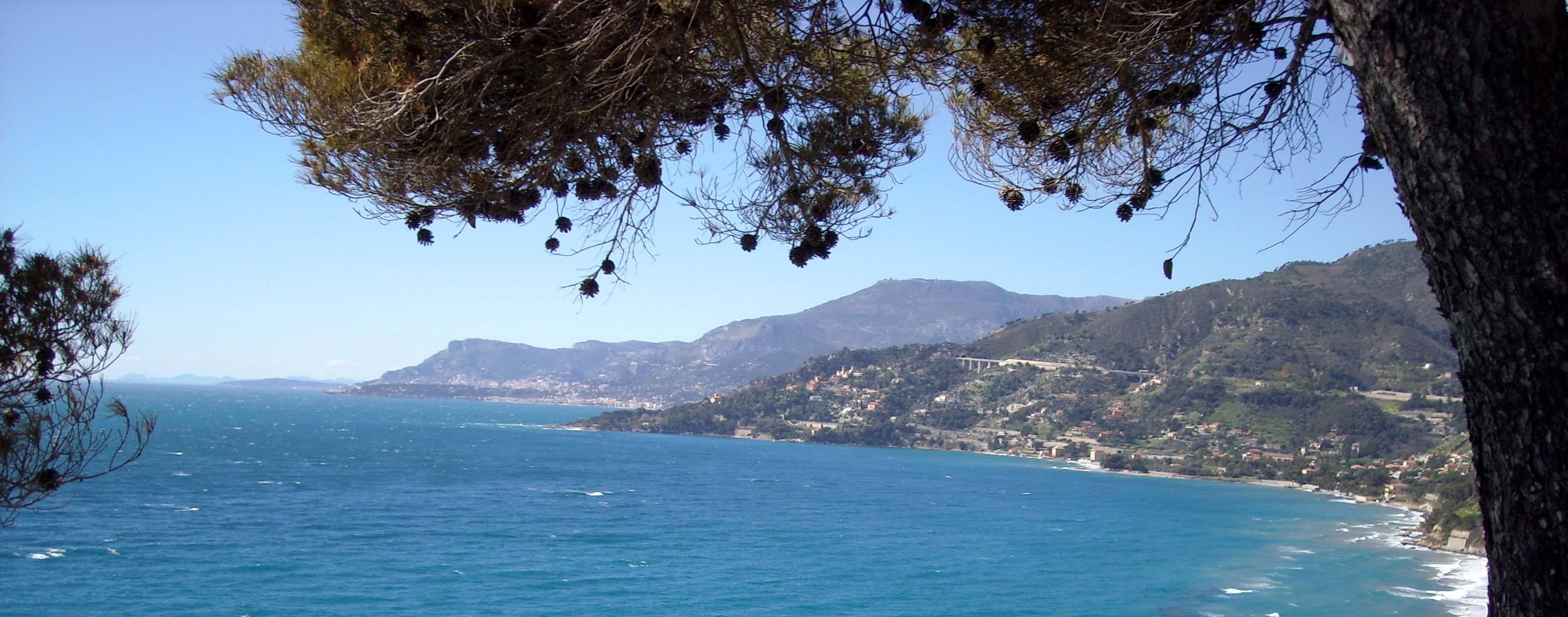 Reperti preistorici e fondali affascinanti al confine tra Liguria e Costa Azzurra