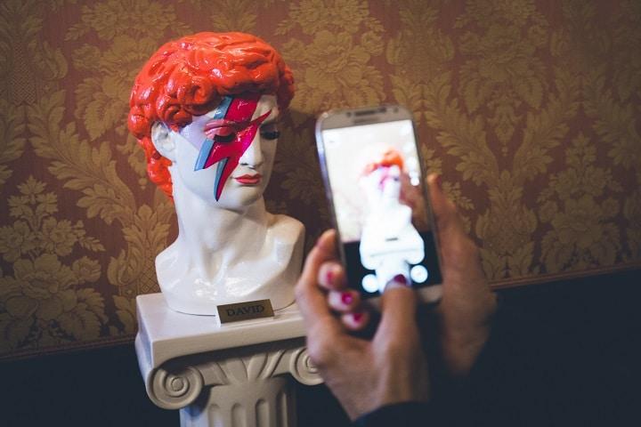 La collezione Lino Invernizzi e la mostra dedicata a David Bowie visitabili e prezzo speciale con un unico biglietto