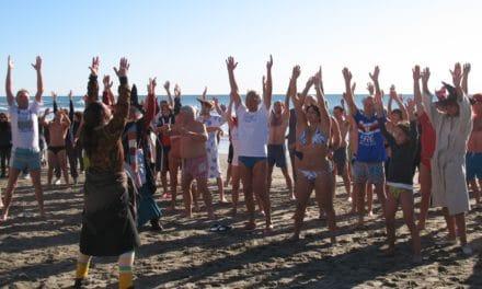 Cimento invernale: la tradizione ligure del bagno invernale in mare il 6 gennaio a Imperia