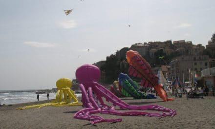 Sol&Vento: con gli aquiloni arriva la primavera sulla spiaggia a Imperia