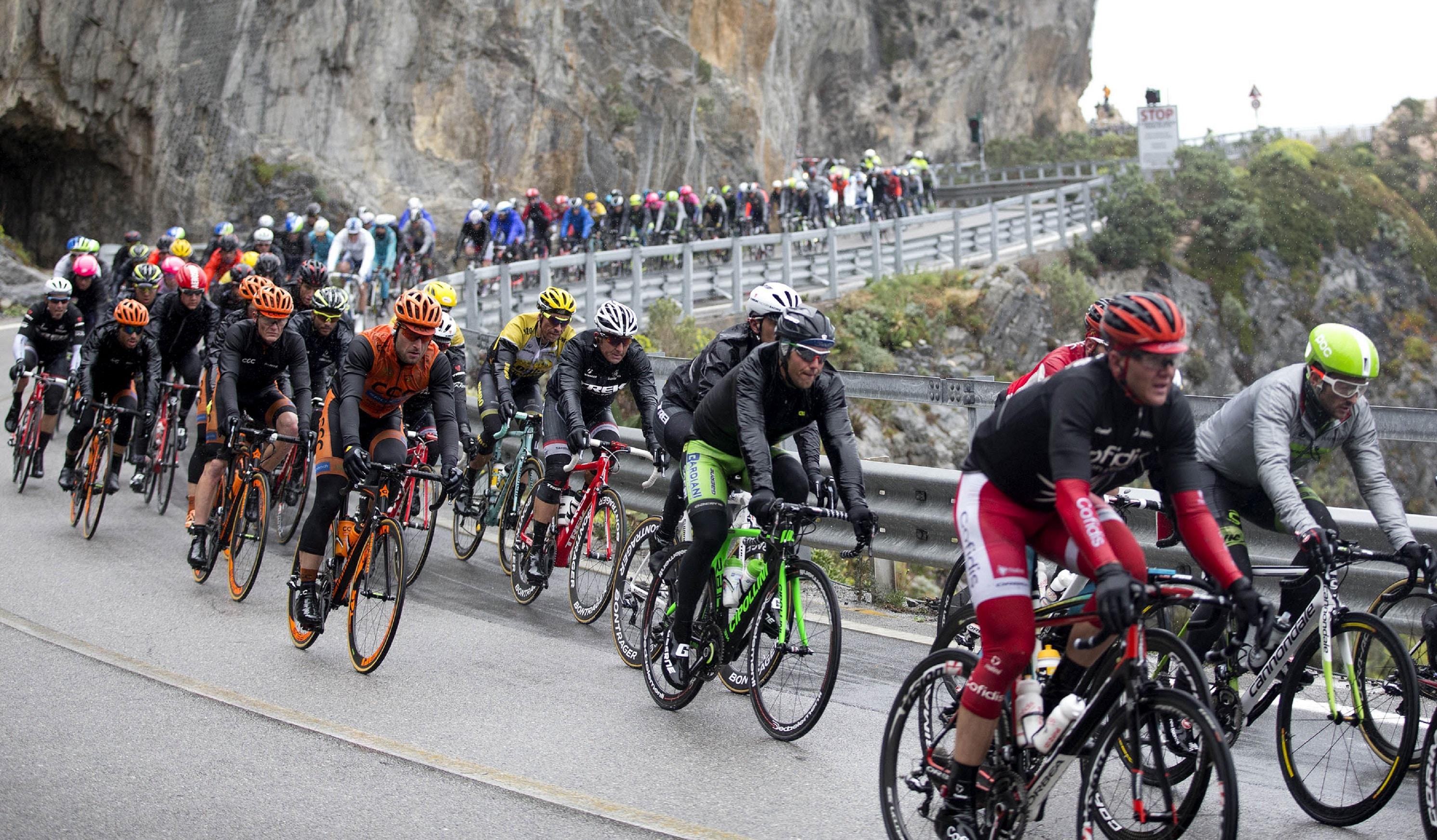 """Dal 1907, la Milano-Sanremo, la cosiddetta """"Classicissima di Primavera"""", incanta milioni di appassionati di ciclismo e non solo. Il 18 marzo ai nastri di partenza a ridosso del maestoso Castello…"""
