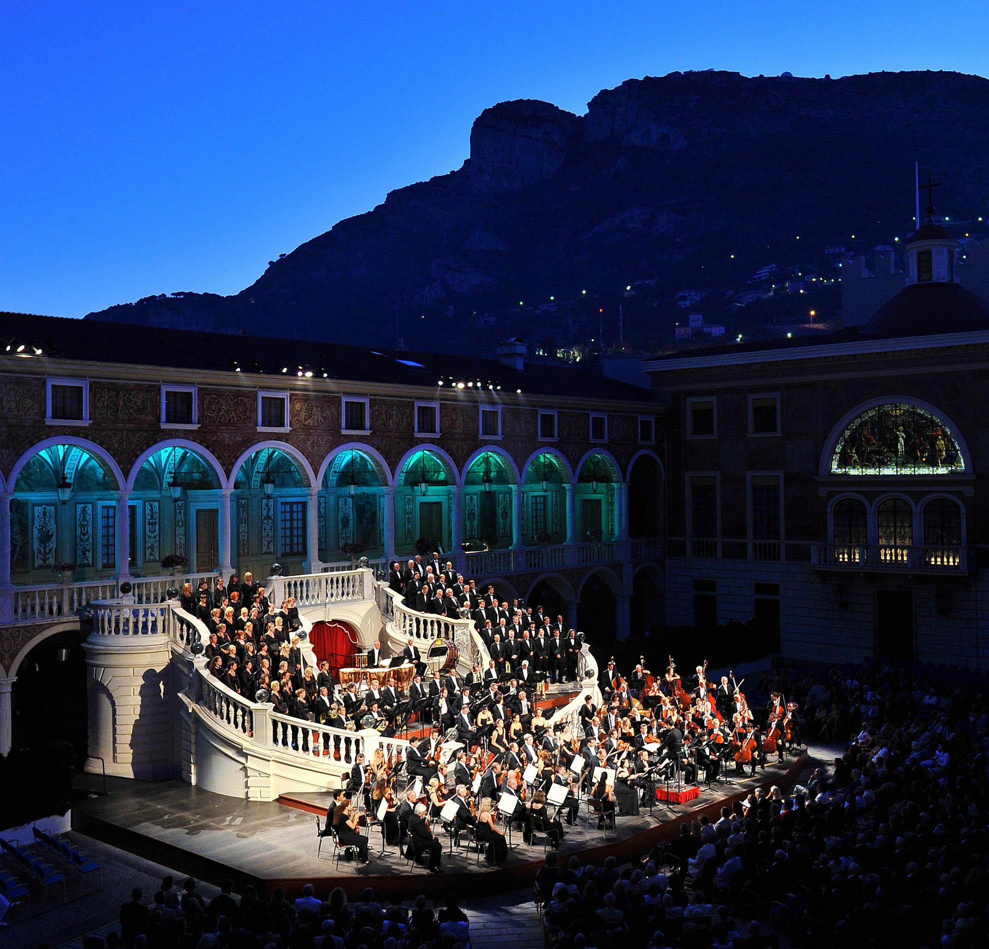 Dal 17 luglio al 7 agosto protagonista l'Orchestra Filarmonica di Montecarlo con ospiti prestigiosi