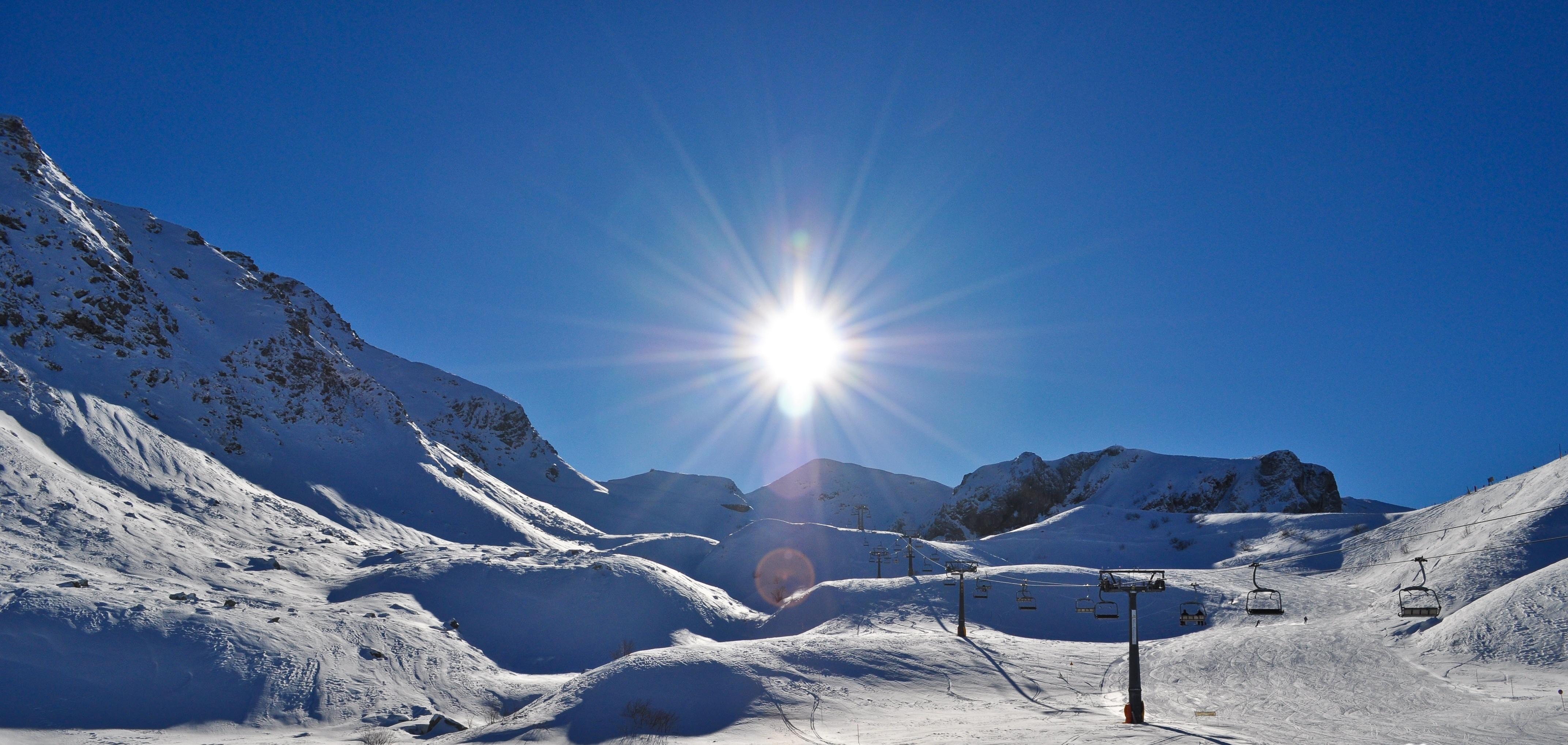 Limone Piemonte è una delle località protagoniste non solo della storia dello sci in Italia, ma anche della sua stessa nascita. Tutto iniziò nel 1896, quando l' ingegnere svizzero Adolfo…