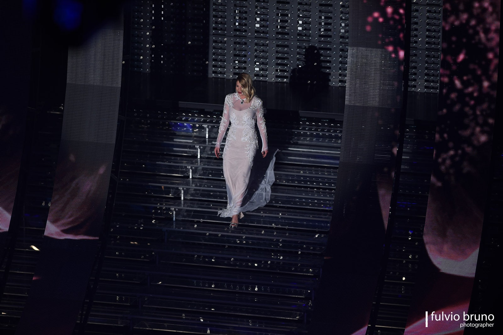 Ad aprire la quarta seratadel Festival di Sanremo saranno di nuovo i Pilobolus Dance Theatre, la compagnia di danza contemporanea che già mercoledì ha regalato suggestivi e magici momenti in…