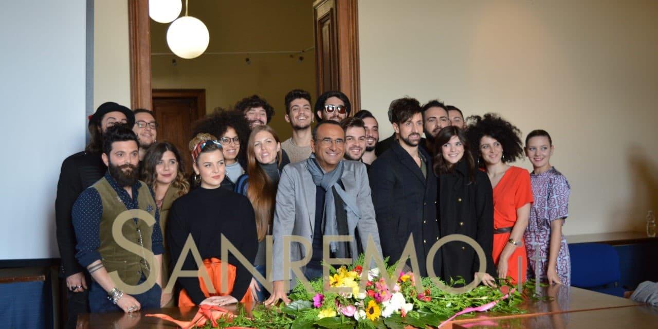 """Carlo Conti presenta i 12 ragazzi in gara di """"Sanremo Giovani"""""""