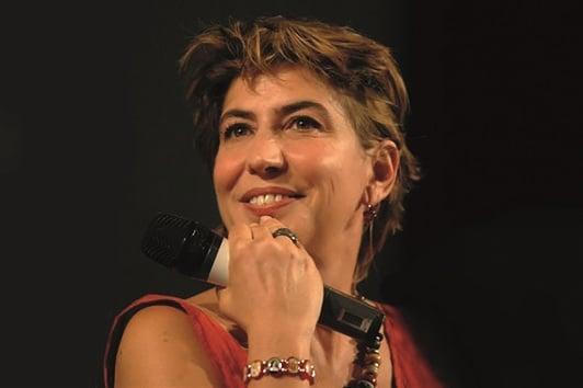 """Sarà Serena Dandini a chiudere la stagione teatrale di Ventimiglia a Teatro domenica 12 marzo alle 21.00 con """"SERENDIPITY. Memorie di una donna difettosa"""", spettacolo da lei scritto e che…"""