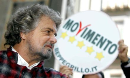 """Il """"ciclone"""" Beppe Grillo si abbatte su Sanremo"""