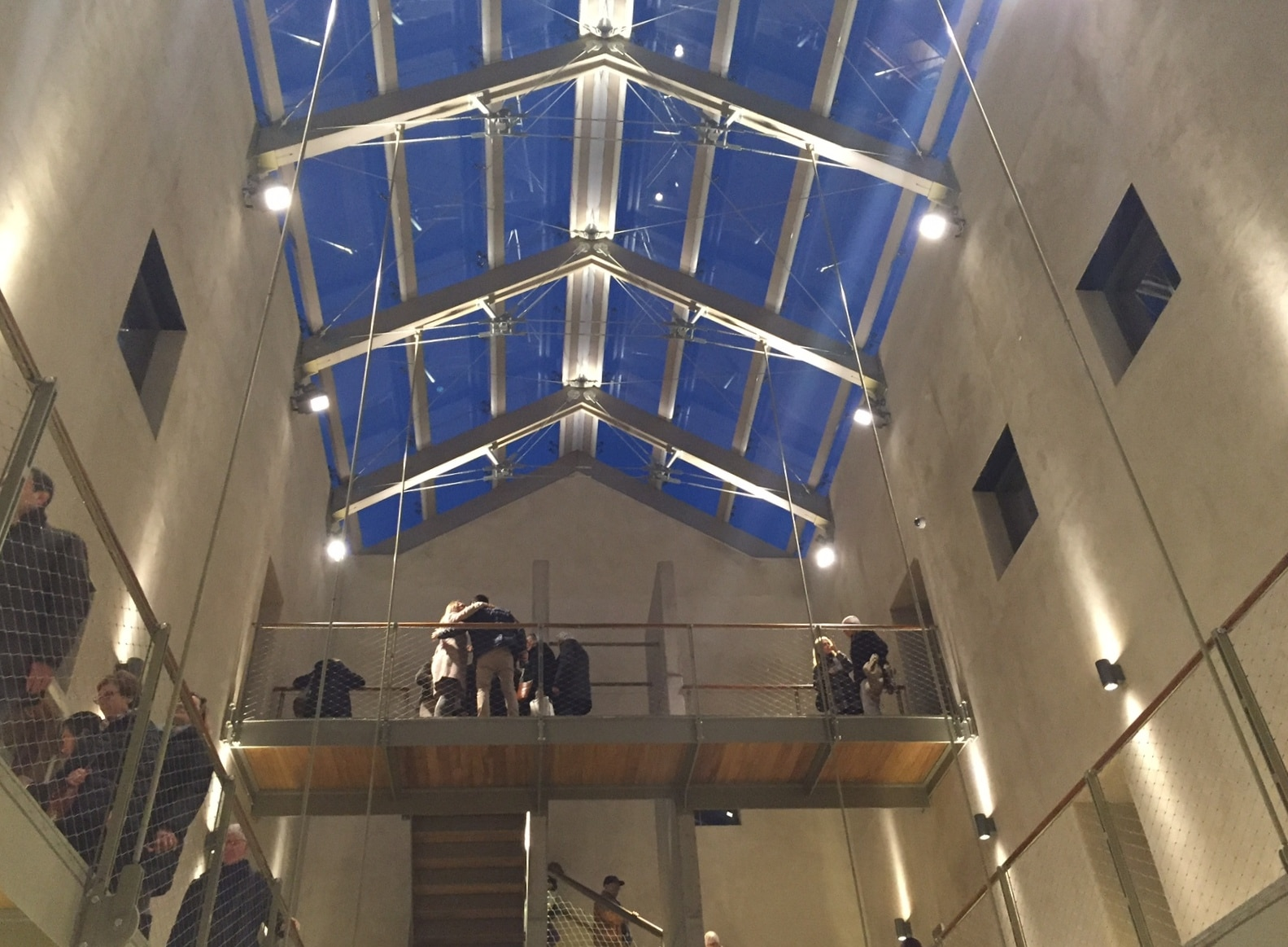 Se a ridosso del Natale scorso, con una certa e giustificata enfasi, sono state inaugurate le sei domus millenarie riportate all'onore del mondo a Pompei, durante la settimana del Festival…