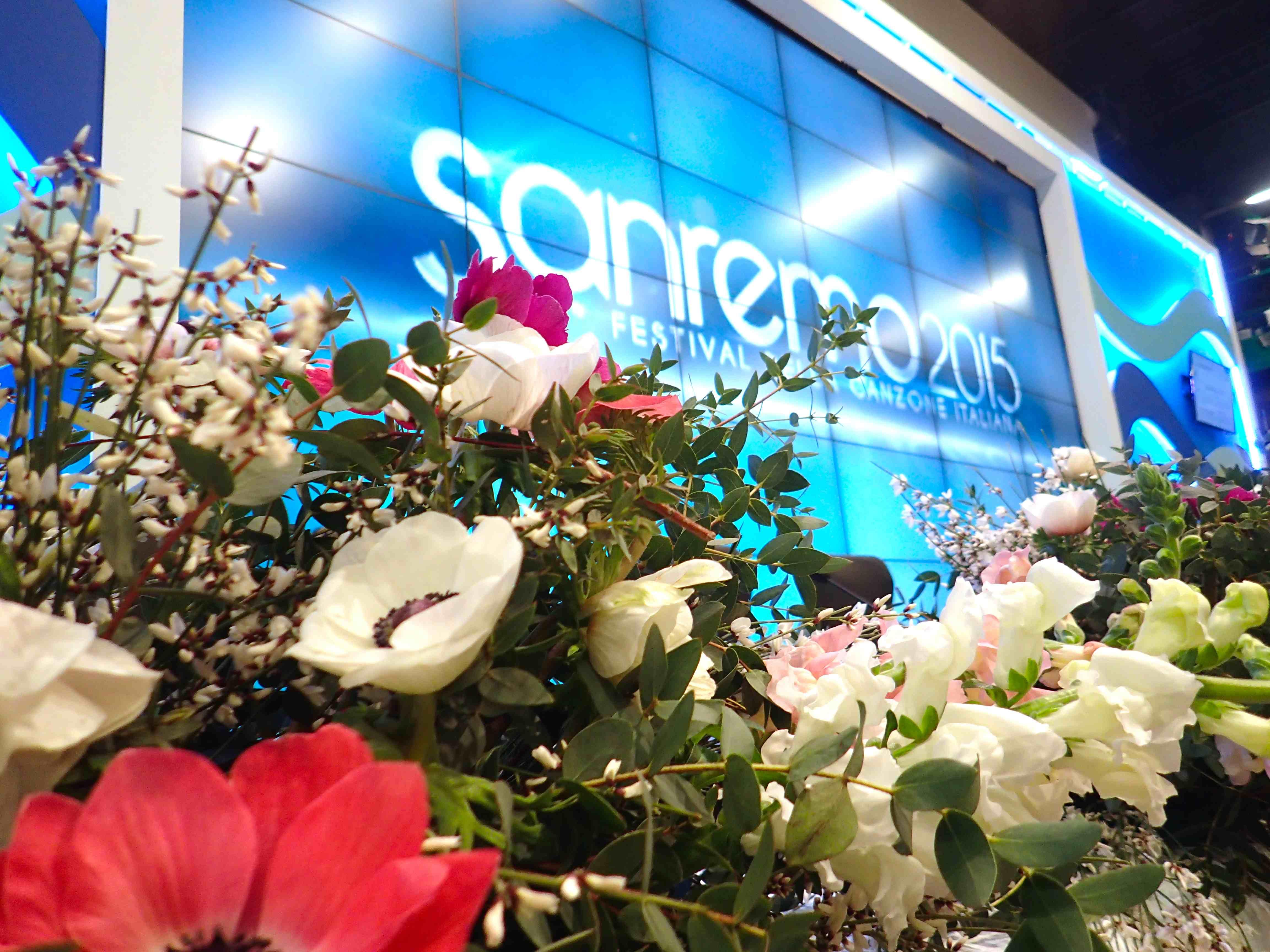Gli esercenti potranno posizionare vasi di fiori, fioriere o addobbi all'esterno dei propri negozi