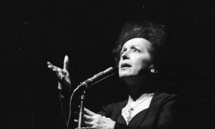 """Edith Piaf, una grande voce in una piccola donna"""