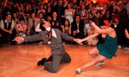 "A ""Zazzarazzaz"" 2016 le danze swing del Lindy Hop"