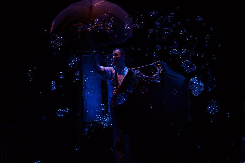 """Ha presoil via venerdi 16 gennaio a Bordighera la terza edizione de """"La Tosse a Palazzo"""", la stagione teatrale proposta dalla Fondazione Luzzati – Teatro della Tosse di Genova, con…"""
