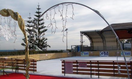 La pista di pattinaggio per il Natale di Diano Marina