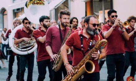 Festa con le marching band italiane a Sanremo
