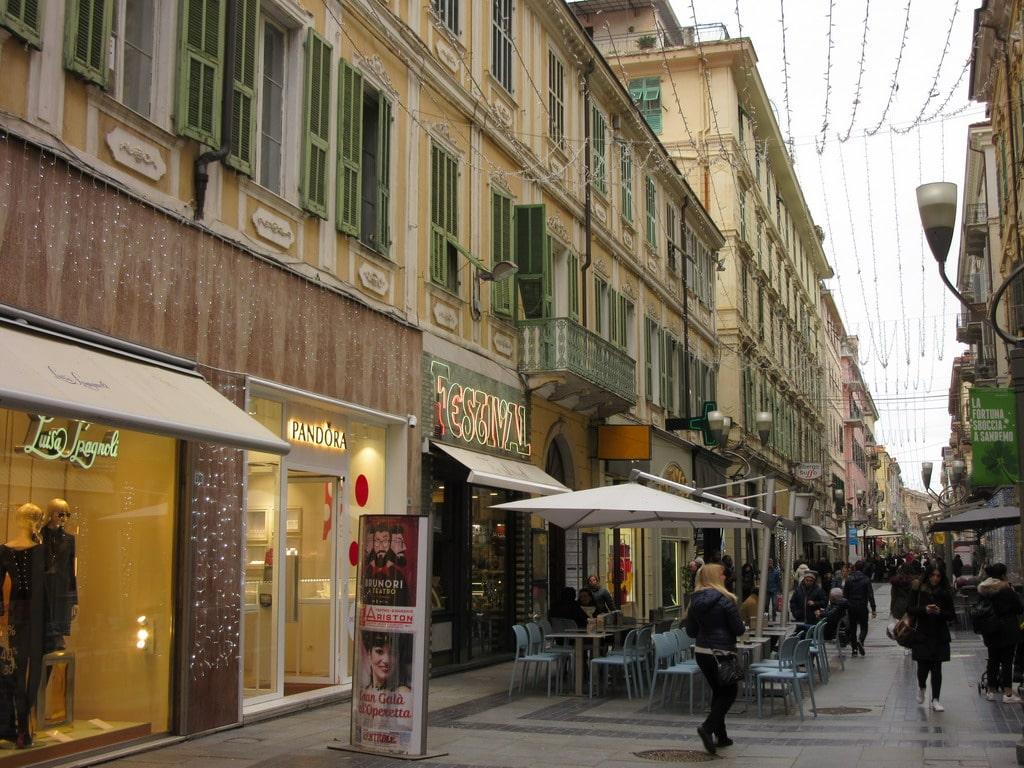 Via Matteotti a Sanremo: la strada dello shopping e non solo