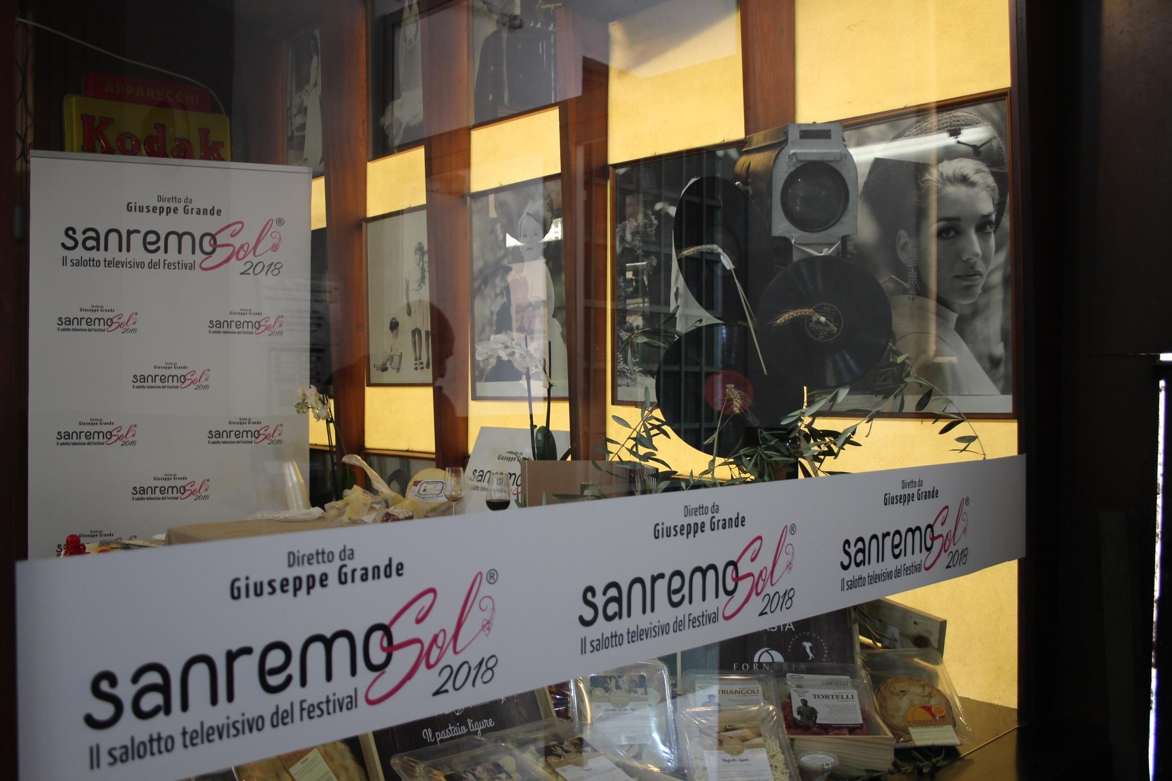 SanremoSol è il format che racconta il Festival di Sanremo in diretta a due passi dal teatro Ariston